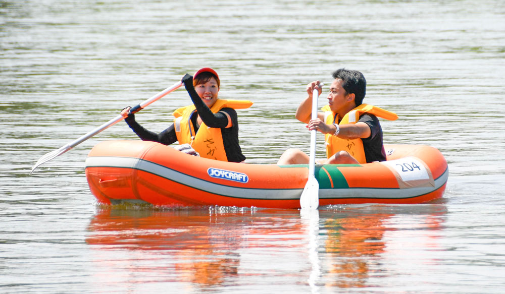 茨城県境町利根川いかだレース選手権inさかい:ボート1位ペア